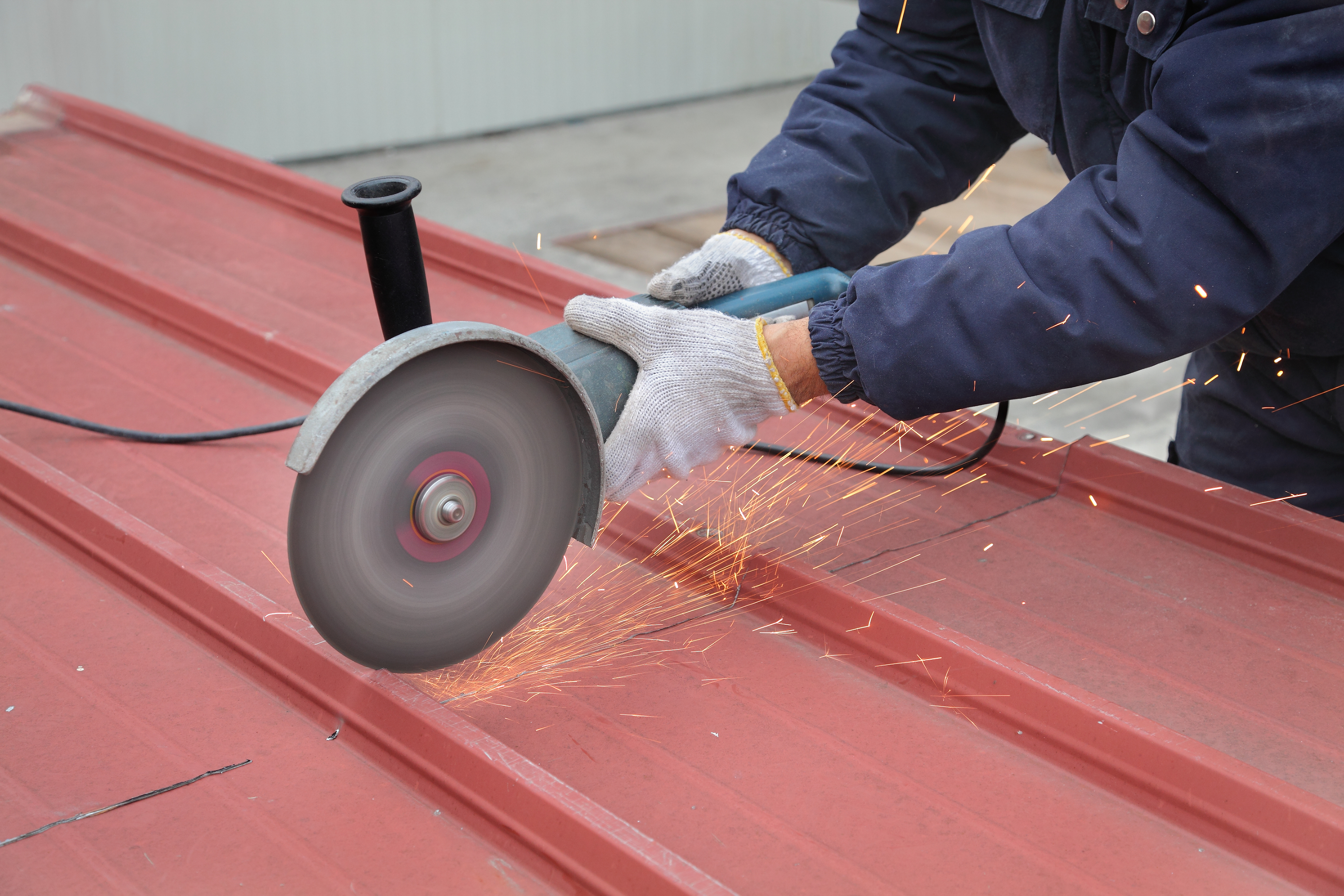HOW TO REPAIR DAMAGES OF THE INSULATED METAL PANEL