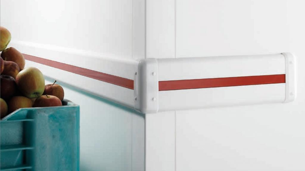 Por qué usar protecciones de pared de PVC en un cuarto frío